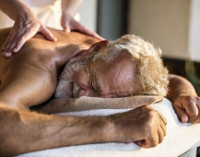 How Aromatherapy Benefits Seniors with Alzheimer's in Tampa Bay, FL