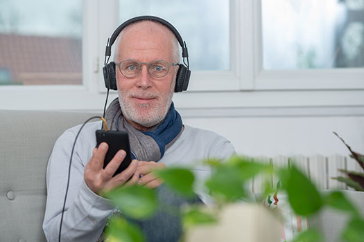 How to Incorporate Music in Alzheimer's Care in Tampa Bay, FL
