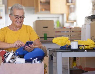 Helping an Elderly Parent Downsize in Tampa Bay, FL