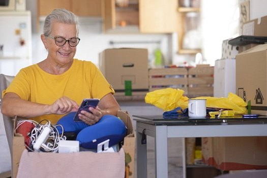 Helping an Elderly Parent Downsize in Tampa Bay, FL