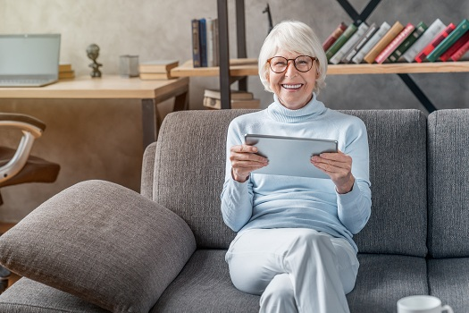 Ways Technology Makes Elderly In-Home Care Easier in Tampa Bay, FL