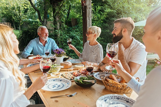 How to Ensure Summer Picnic Safety for Seniors in Tampa Bay, FL