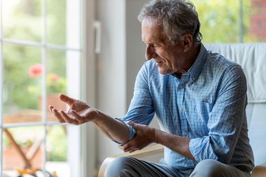 Ways the Elderly Can Alleviate Arthritis Symptoms in Tampa Bay, FL